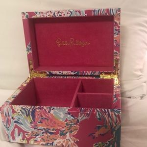 NWOT Hard Side Lilly Pulitzer Jewelry Box